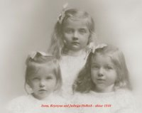Irena Helbich and sisters